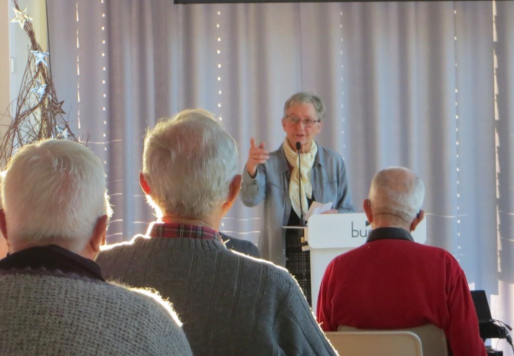 Senioruniversitetets leder Aud Helland-Olsen i Elvesalen.