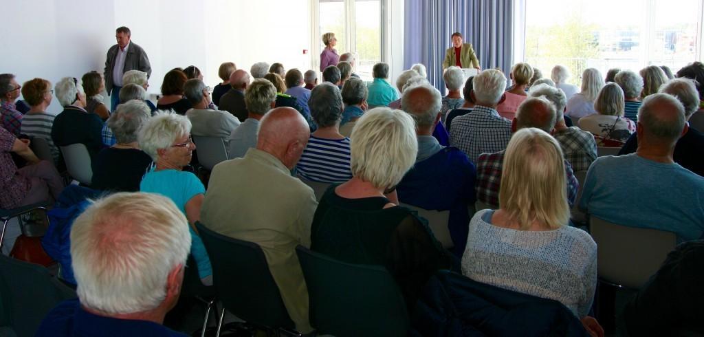 Stor interesse for Gunnar Stålsetts foredrag i Elvesalen den 9.mai (Foto: Johanna Engamo)